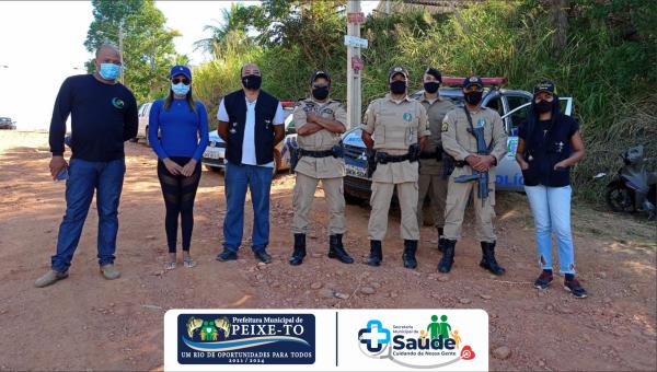 PRIMEIRA AÇÃO EM CONJUNTO APÓS REFORÇO POLICIAL E EQUIPE DA VIGILÂNCIA SANITÁRIA NO ENFRENTAMENTO À COVID - 19